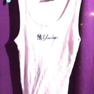 NWOT pink ladies Yankees Tank Top